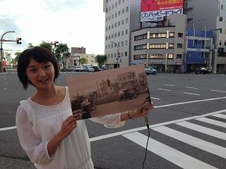 写真が撮影された柳町交差点にて。いろんな発見がありました!