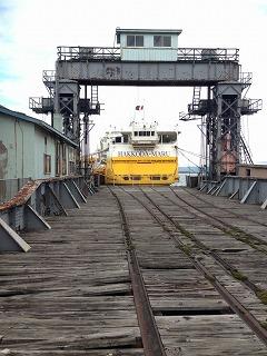 八甲田丸と可動橋
