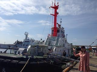 タグボート「はやて丸」。 自由自在な動きと、大型船を動かすすごい力が特徴です!