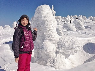 樹氷を間近で見ました! 白い動物みたいです(^_^)