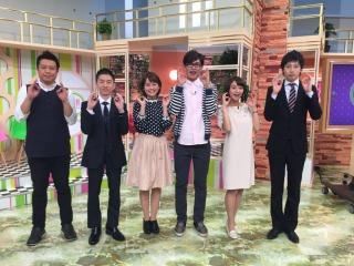木曜日メンバーとわっち!!(この写真、佐藤アナのブログの写真と微妙にポーズが違うんですよん)