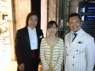 指揮者の飯森範親さん(左)、司会の朝岡聡アナウンサーと...☆