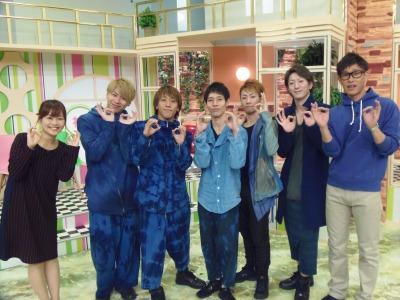 先川さんの衣装もたまたまブルー。笑