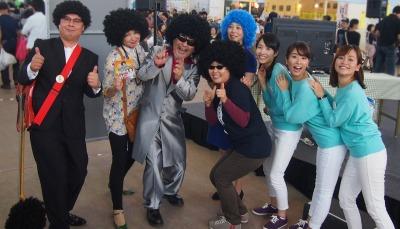 「木下さんと愛と哀しみの黒汁楽団」の皆さん、津軽海峡マグロ女子会の三津谷さんと♪